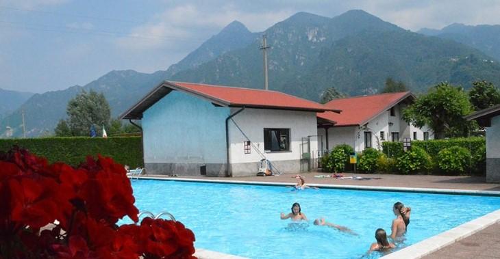 zwembad Camping Pian d'Oneda