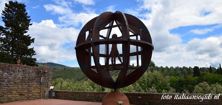 Leonardo's Vitruviusman gemaakt door kunstenaar Mario Cerioli
