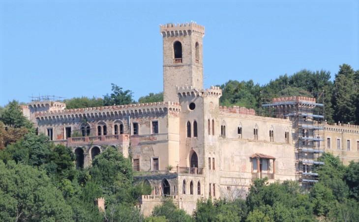 Castello Guglielmi ook wel Castello Isabella
