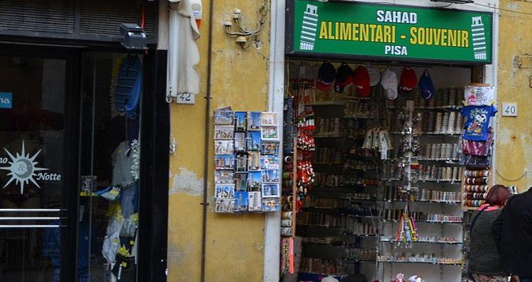 souvenirshop Pisa