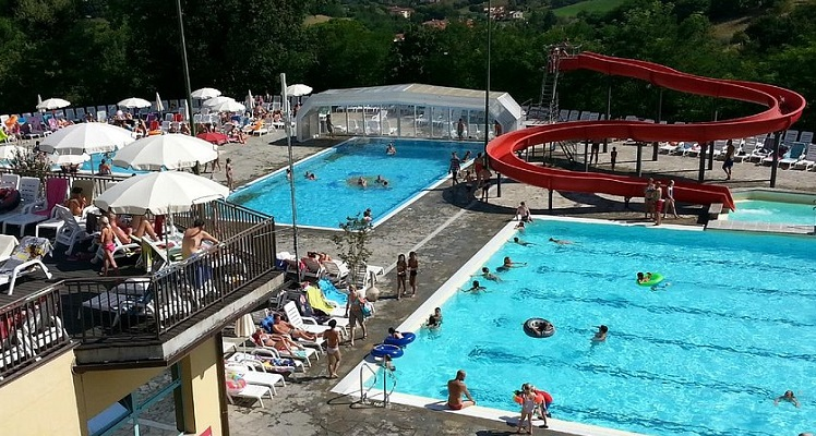 waterpark benedengedeelte camping Norcenni Girasole Club