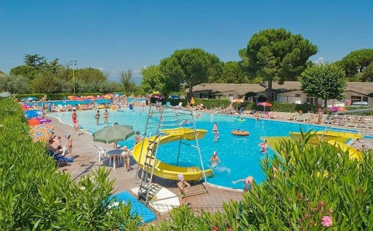 zwembad Camping Cisano San Vito